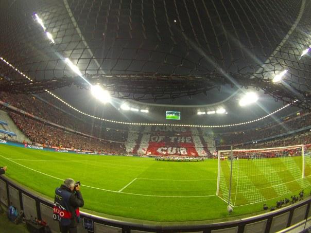 Nette Choreo der Bayern-Fans für Phily und mich